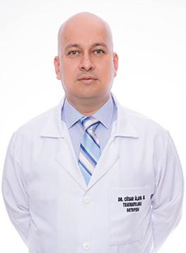 Dr. César Álava Moreira